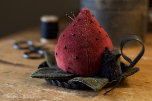 Image of Kit ~ Mouse N Berry ~ Hand Dyed Wool