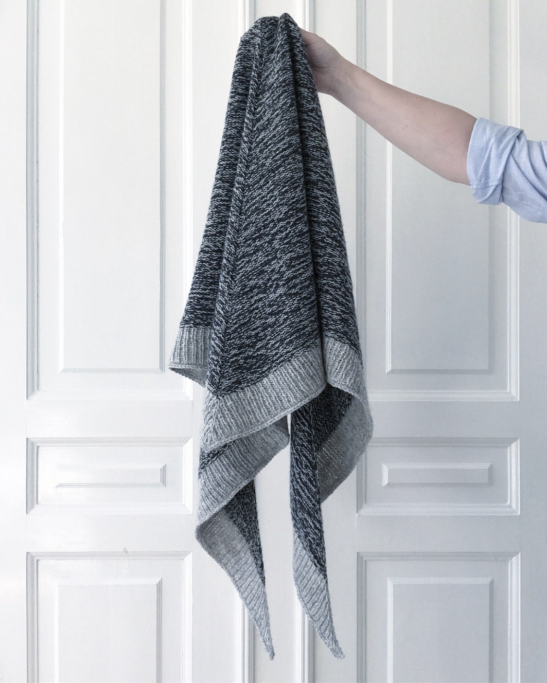 Image of Flickering Sjal (Danish pattern only - find the English pattern on Ravelry)