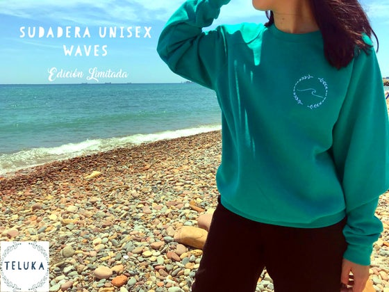 Image of SUDADERA UNISEX WAVES