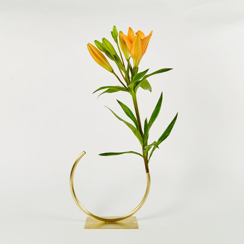 Image of Vase 602 - Edging Over Vase