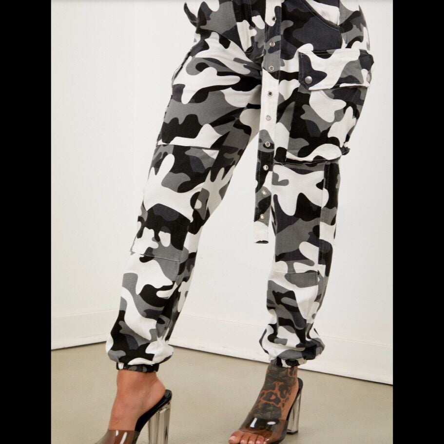 Image of Camo Cargo Pants ~ Grey