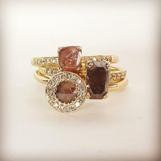 Beeld van Rare diamond cut stacking rings