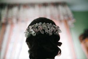 Image of Tocado flores porcelana personalizado