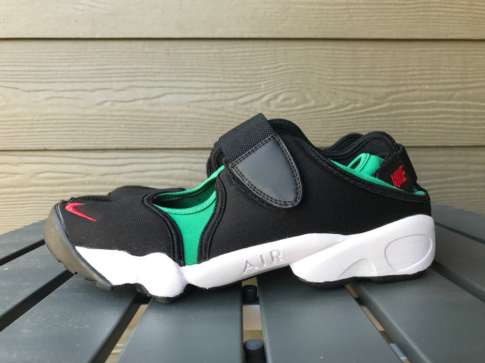 82a4fd99cce573 Image of 8 NIKE AIR RIFT QS BLACK ATOMIC RED FOREST GREEN WHITE (NO BOX.  guccigangguccigangguccigangGUCCIGANG
