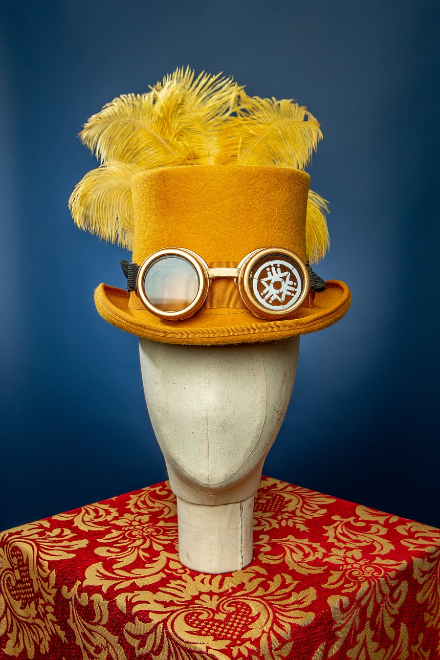 Image of Top Hat - Gold