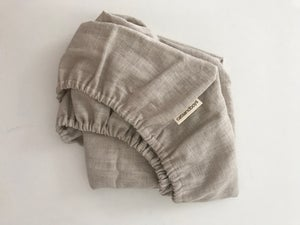 Image of bassinet // moses basket linen fitted sheet