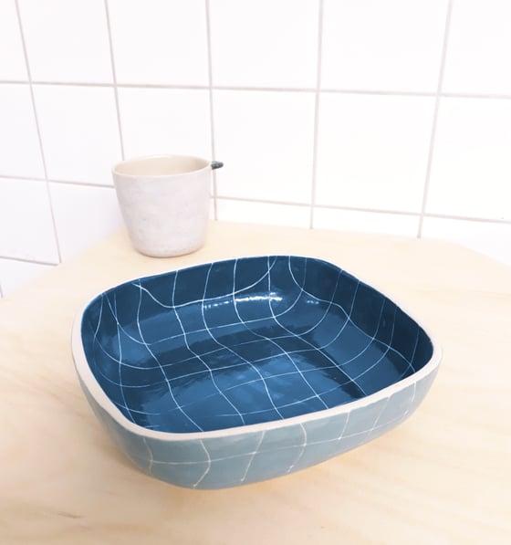 Image of Plat carré piscine bleu