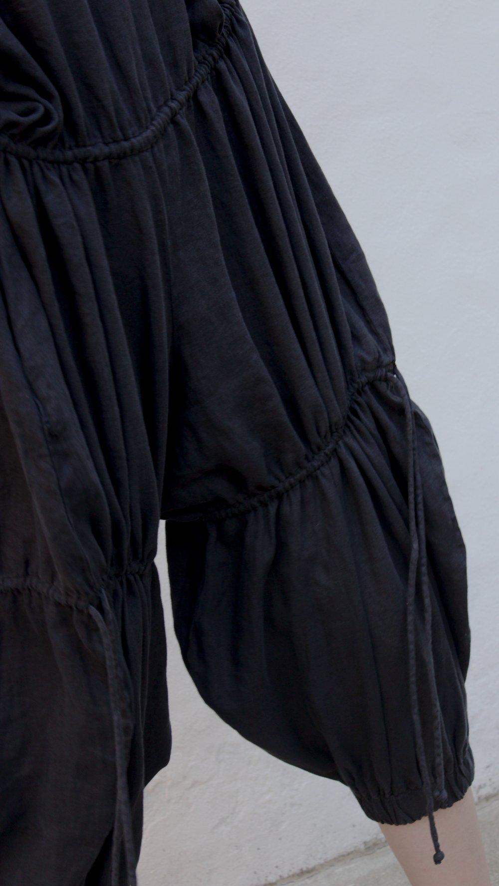 Image of Black Crane Lantan Jumper