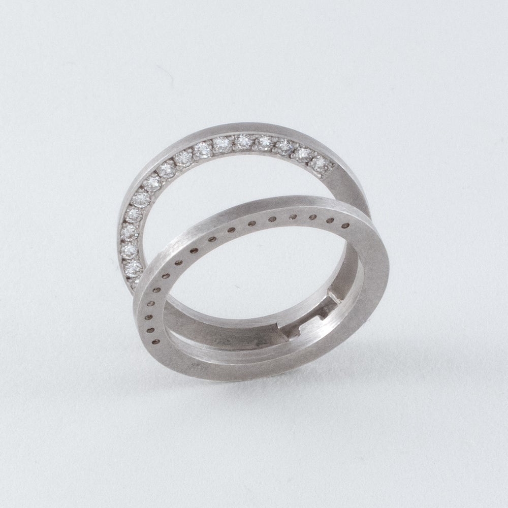 Image of INFINITY FOLDING RING W/WHITE DIAMONDS / VARIATION THREE / MATT