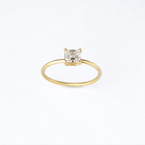 Image of Princess diamond ring