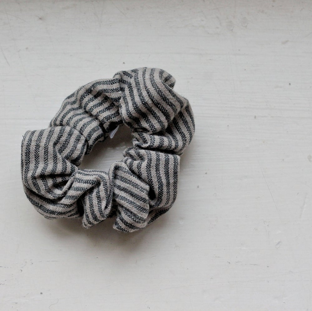 Image of Scrunchie - Stripe Linen