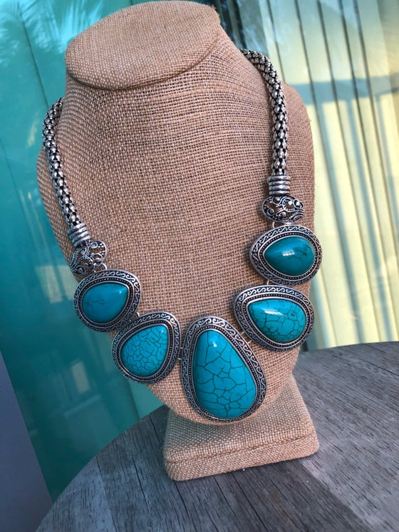 Image of Maxie Statement Necklace