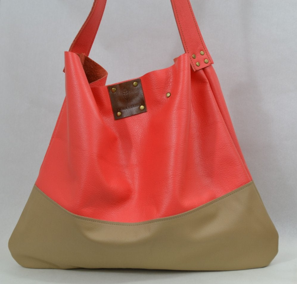 Image of Hello Sunshine tote (coral)