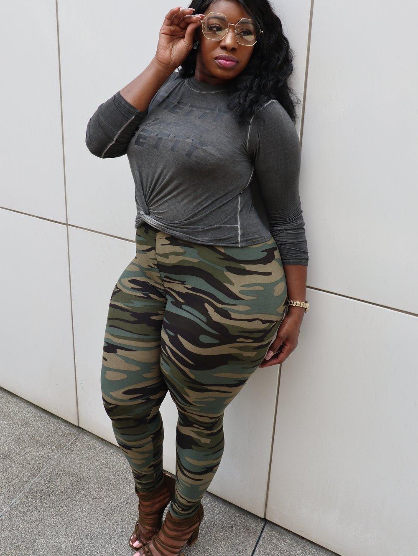 Image of Plus size camo leggings