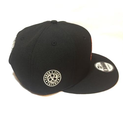 Image of NEW ERA DARUMA 9FIFTY SNAP BACK CAP