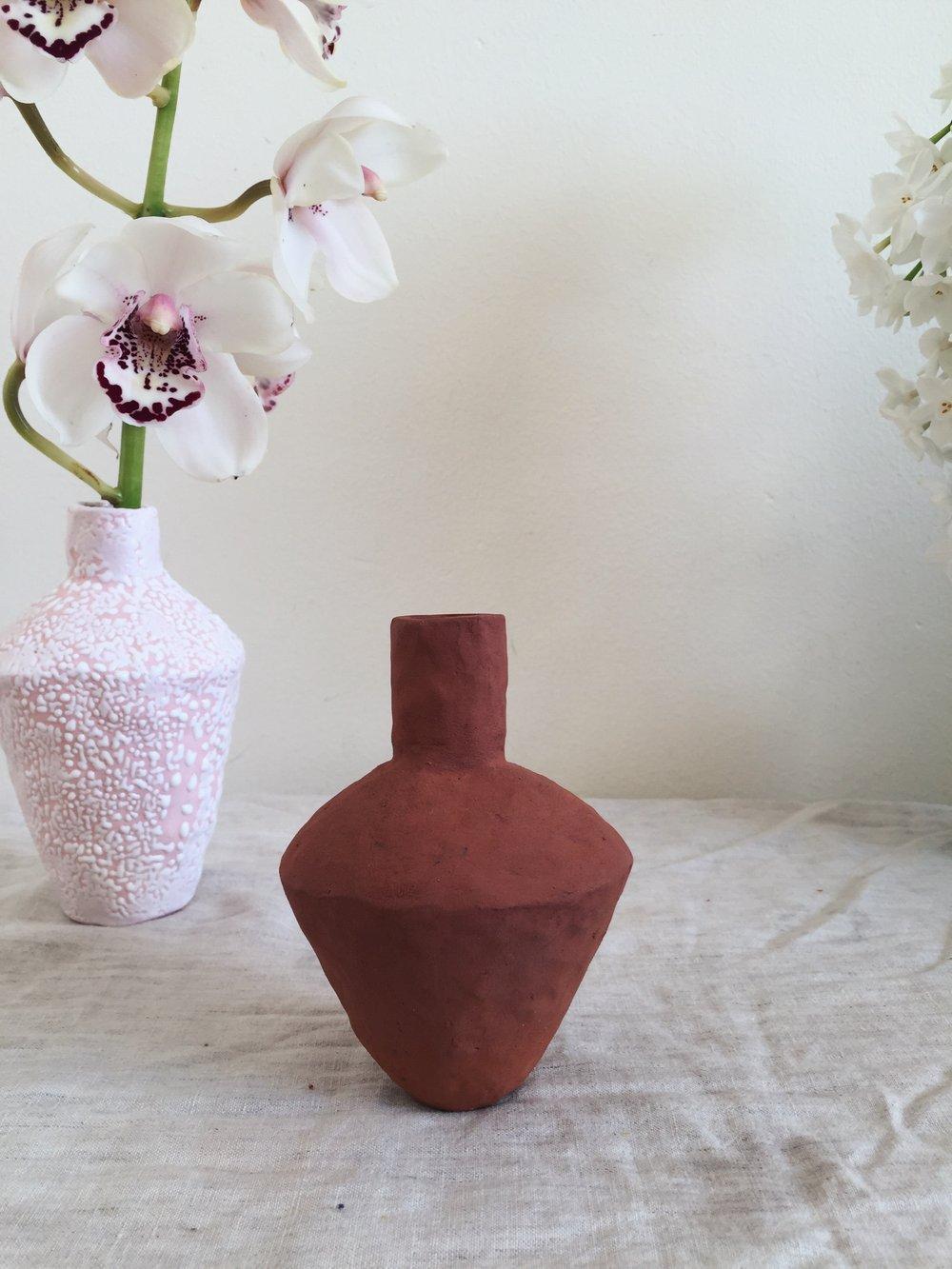 Image of teracotta vase (iii)
