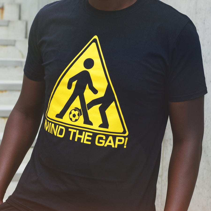 Image of MIND THE GAP t-shirt