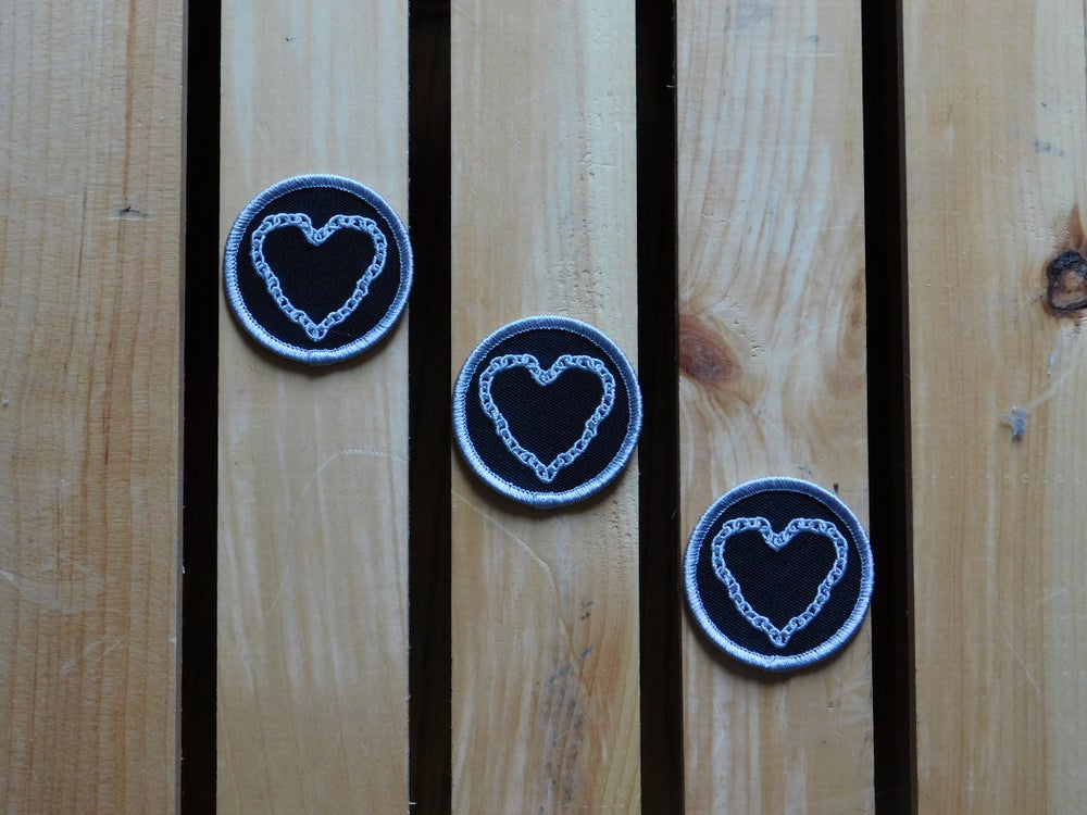 Image of Chain Heart Sticker Patch