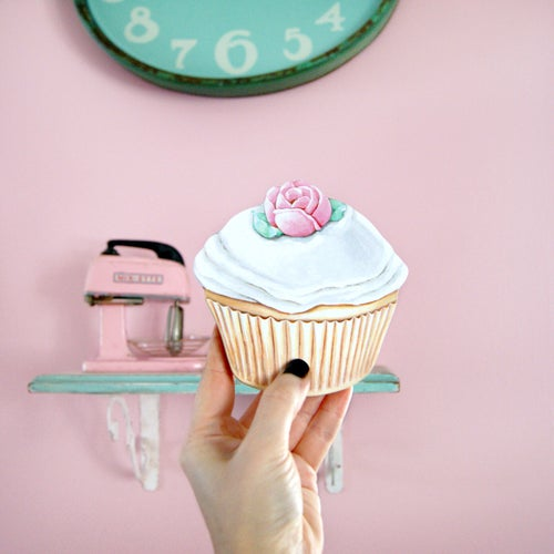 Image of Cupcake mini plaque (Your choice vanilla or chocolate)