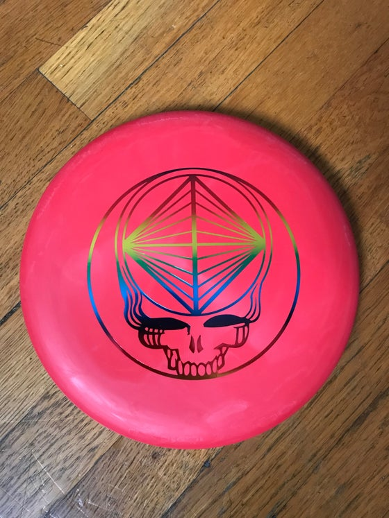 Image of Wizard Swirly SSS Blend (Red w/ Rainbow Stealie Stamp) Golf Disc