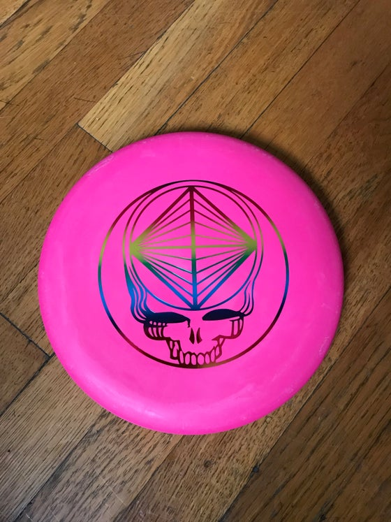 Image of Wizard Swirly SSS Blend (Hot Pink w/ Rainbow Stealie Stamp) Golf Disc