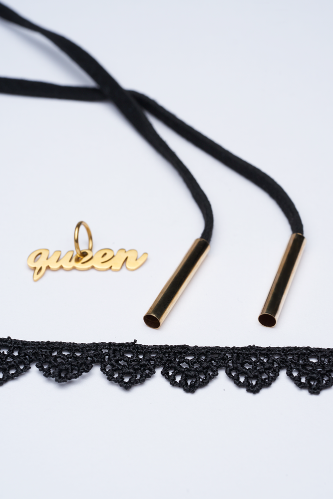 Image of Lace Choker Queen Charm + FREE Suede Rope Choker