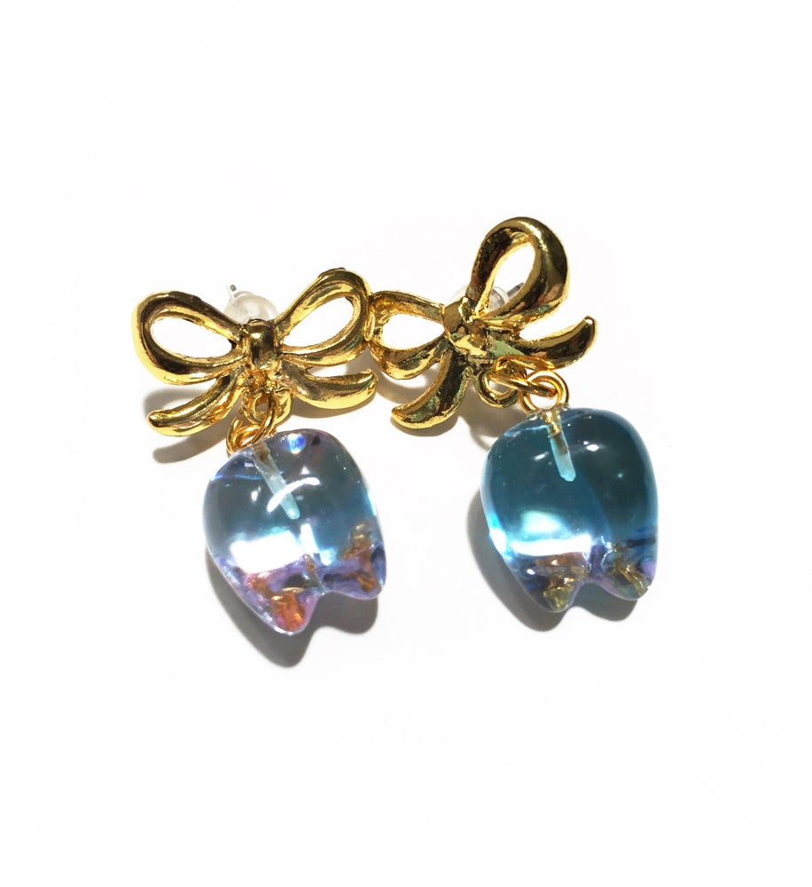 Image of Gold Bow Toothy earrings