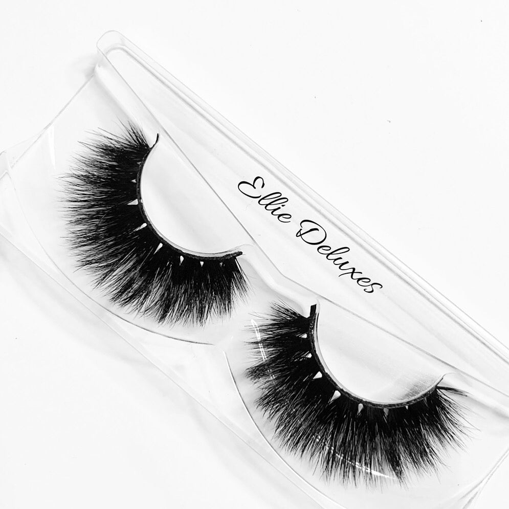Image of Ellie Deluxes lashes