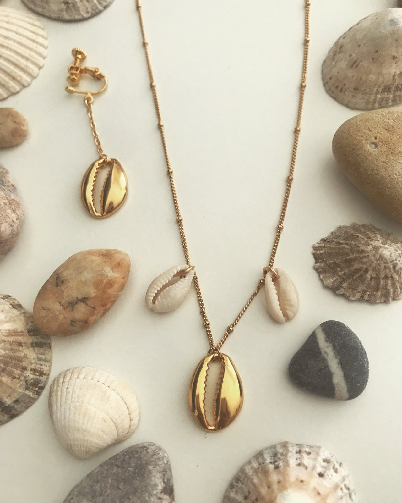 Image of Tassel shell necklace