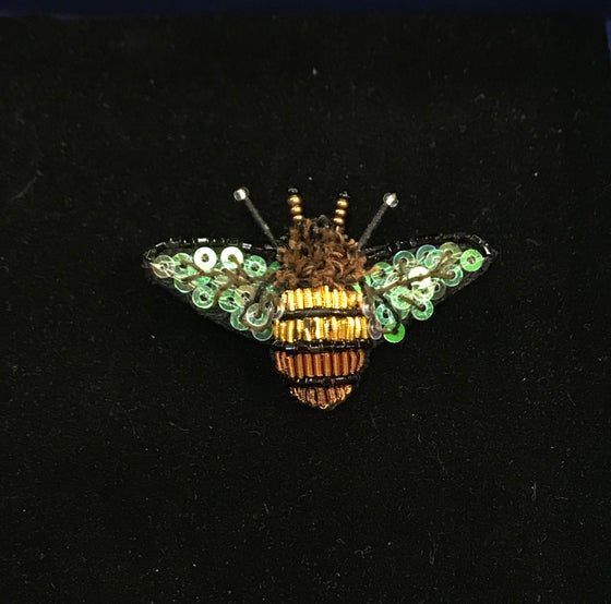 Image of Dazzling Bee Brooch