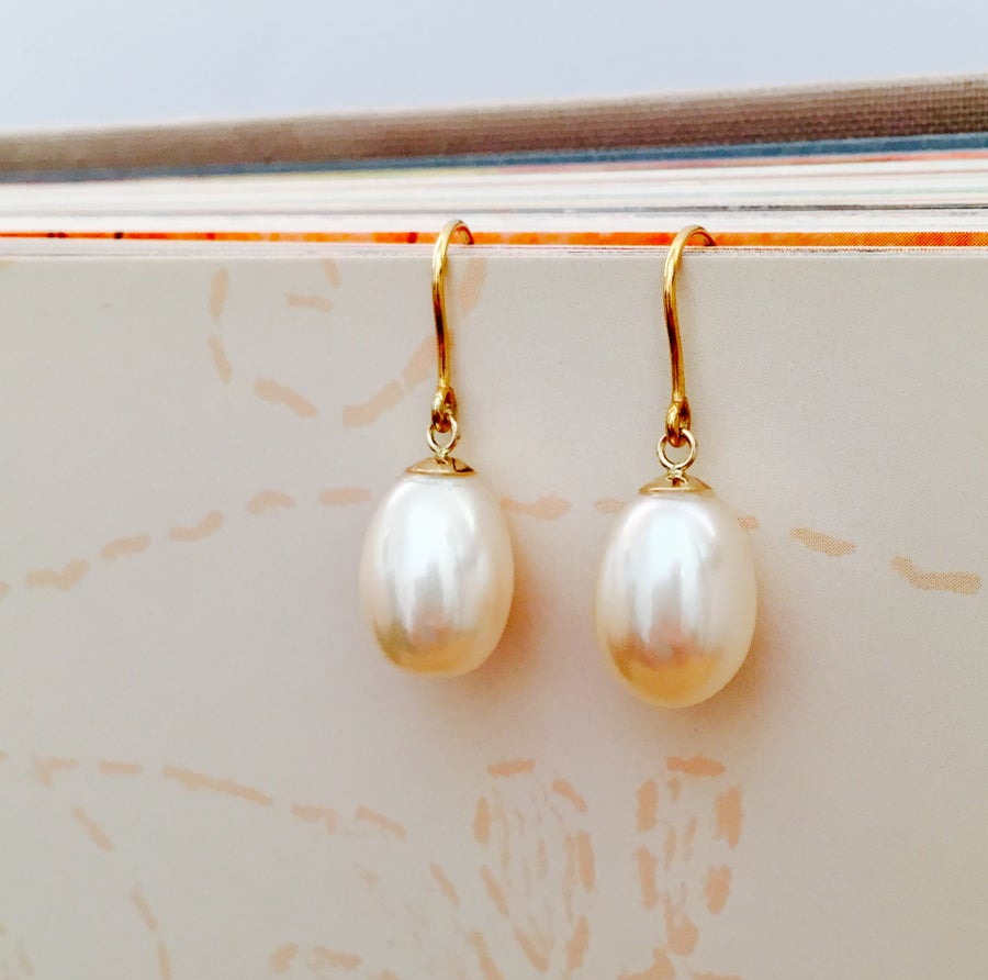 Image of Indian summer hook earrings Pearls