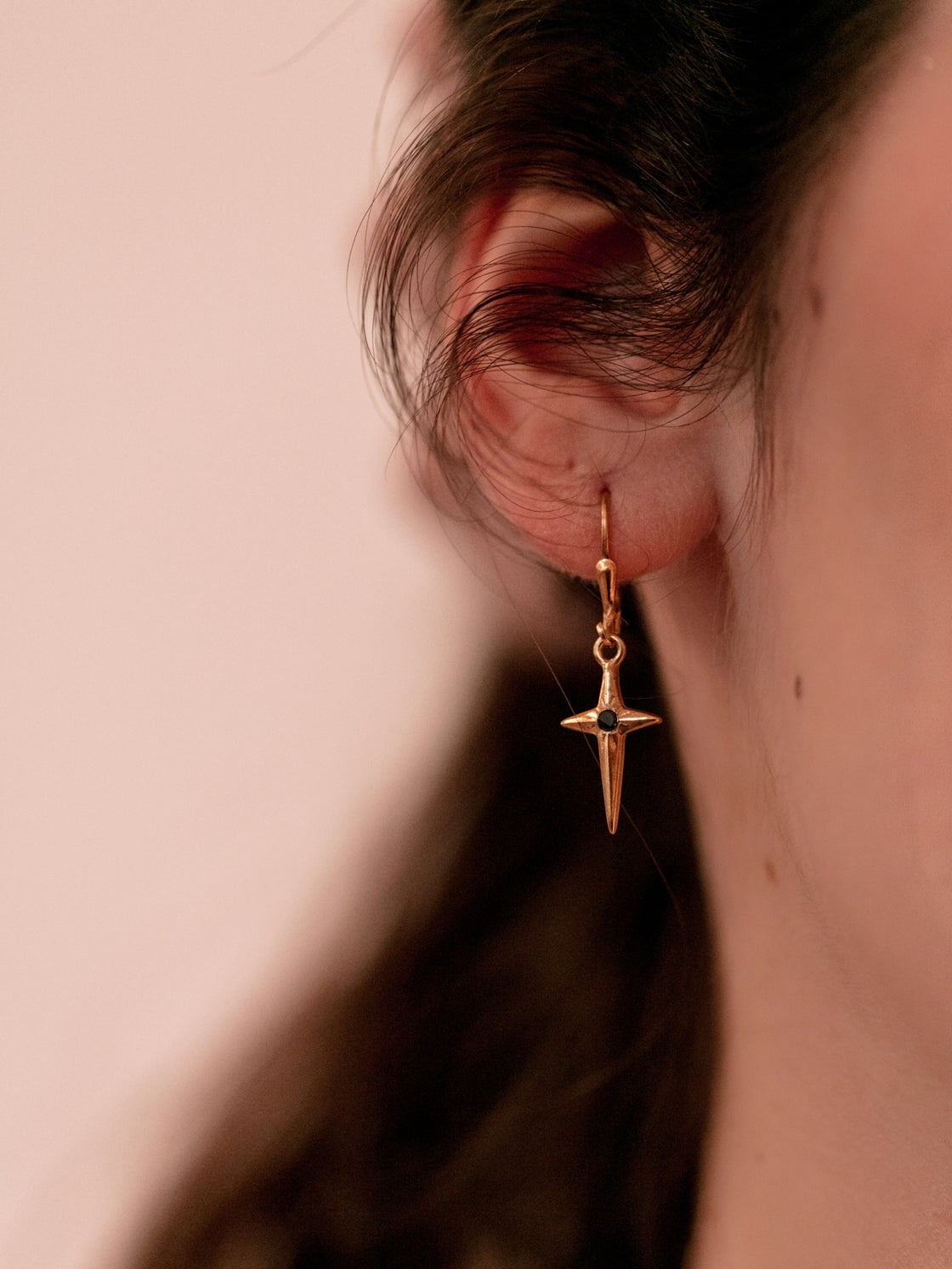 Image of DONIA boucle d'oreille  Gold Onyx noir