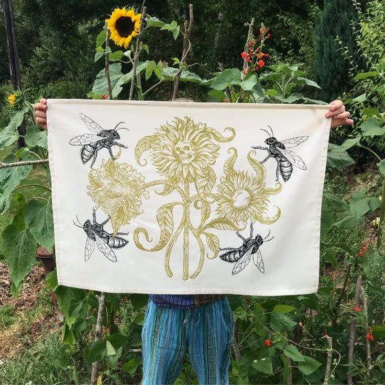 Image of Golden bloom tea towel