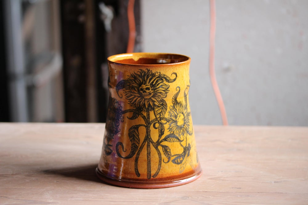 Image of Honey bloom ceramic tankard