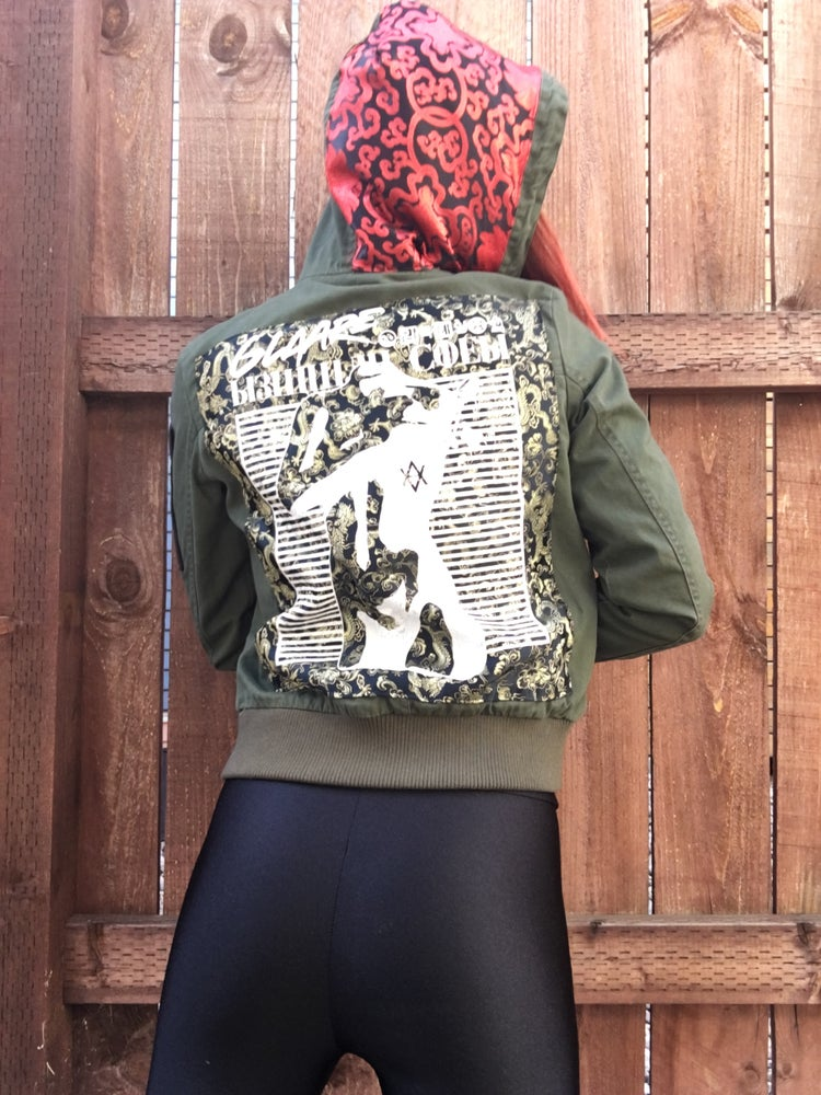Image of ARMY GREEN HOODED PATCH JACKET (MEDIUM)