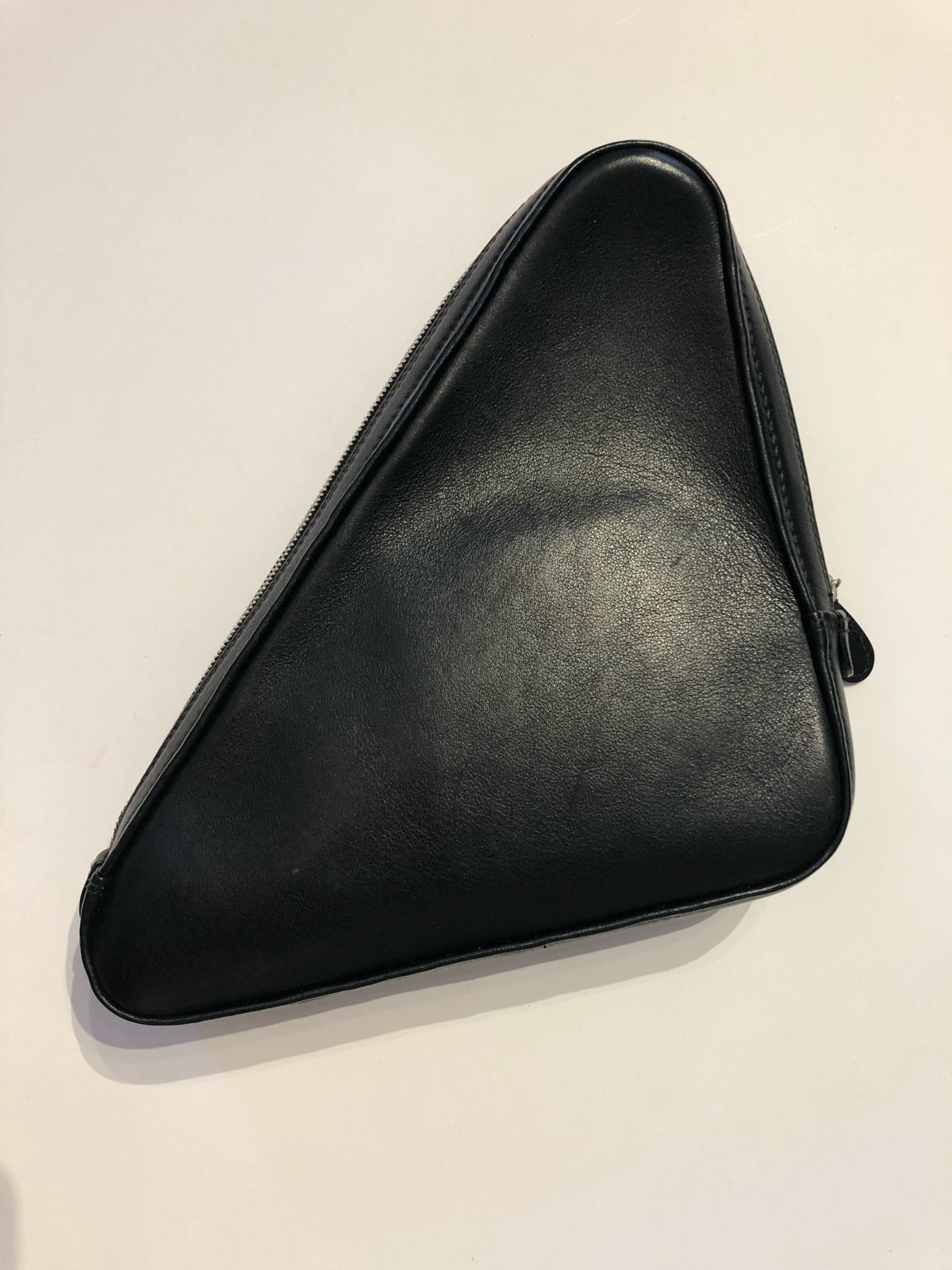 Image of BALENCIAGA TRIANGLE CLUTCH