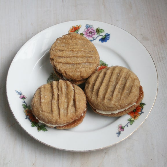Image of Cardamom Print Sandwich Cookies - ONE DOZEN