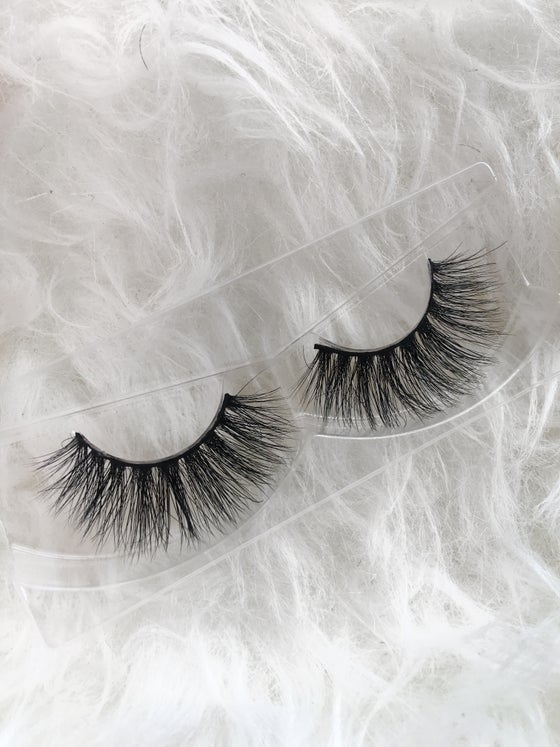 Image of AURORA MINK EYELASHES