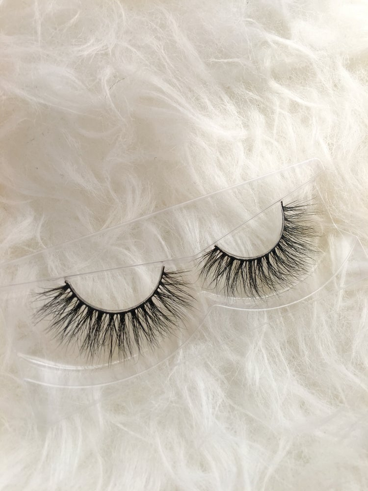 Image of MELODY MINK EYELASHES
