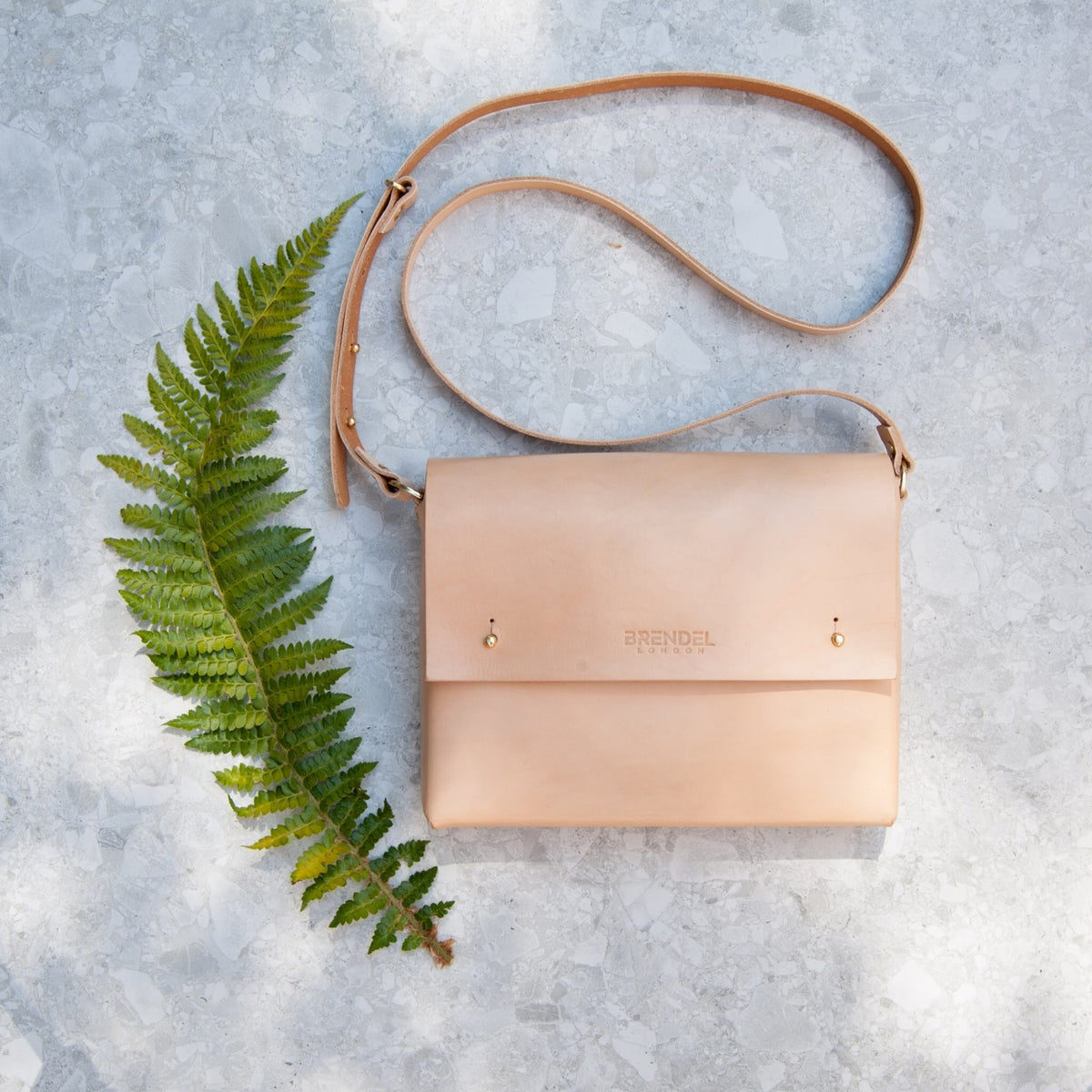 Image of RIV Shoulder Bag NATURAL