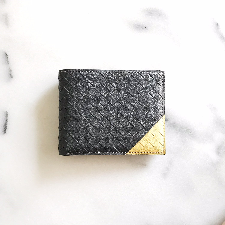 Image of Intrecciato Wallet with contrast corner