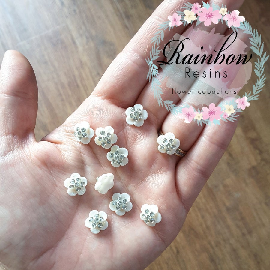 Image of Sparkly white diamante flowers x 10