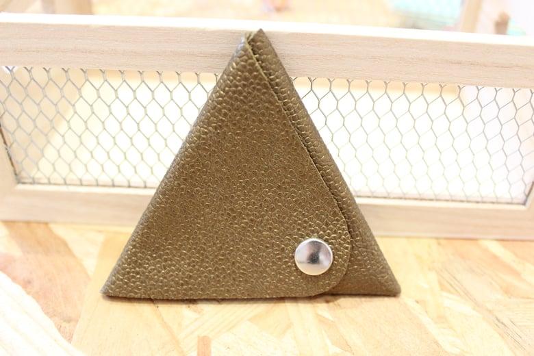 Image of Porte monnaie triangle en cuir mordoré