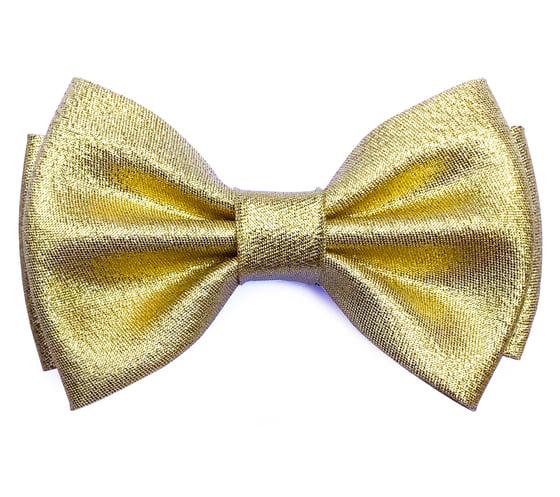 Image of Golden pre-tied bow tie
