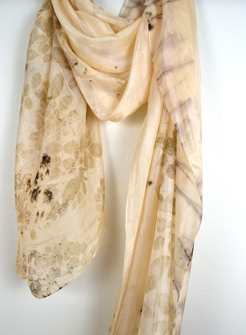 Image of Wild rose shawl