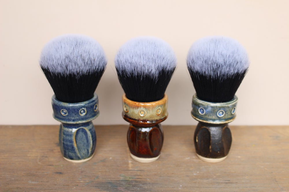 Image of 30mm Bulb Tuxedo Shaving Brush