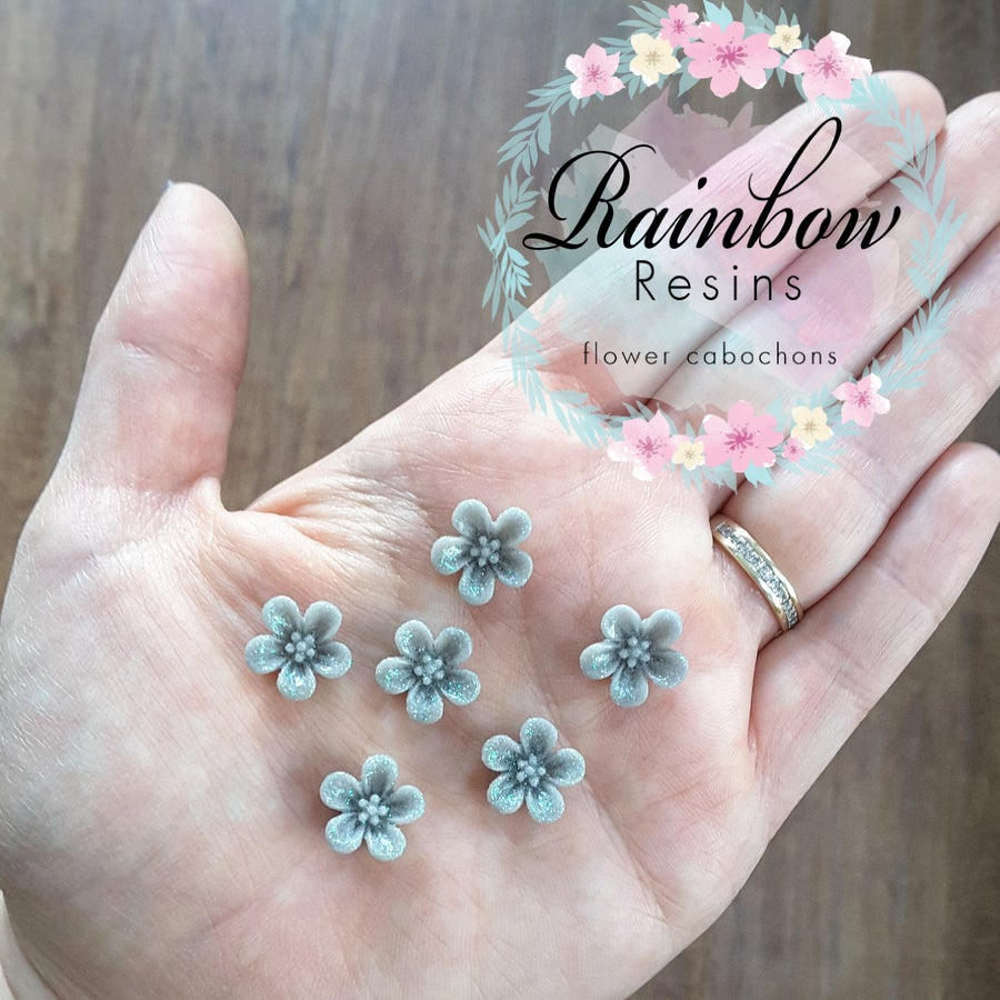 Image of Grey sparkly blossoms x 10