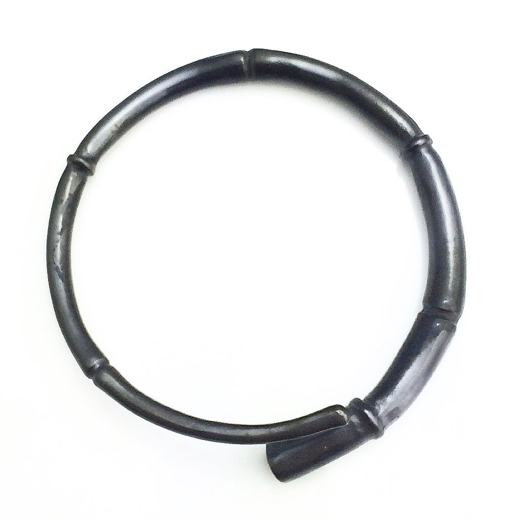 Image of Black Tendril Bangle Bracelet 02
