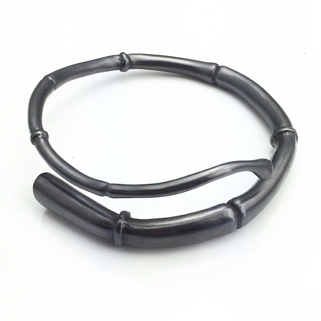 Image of Black Tendril Bangle Bracelet 04