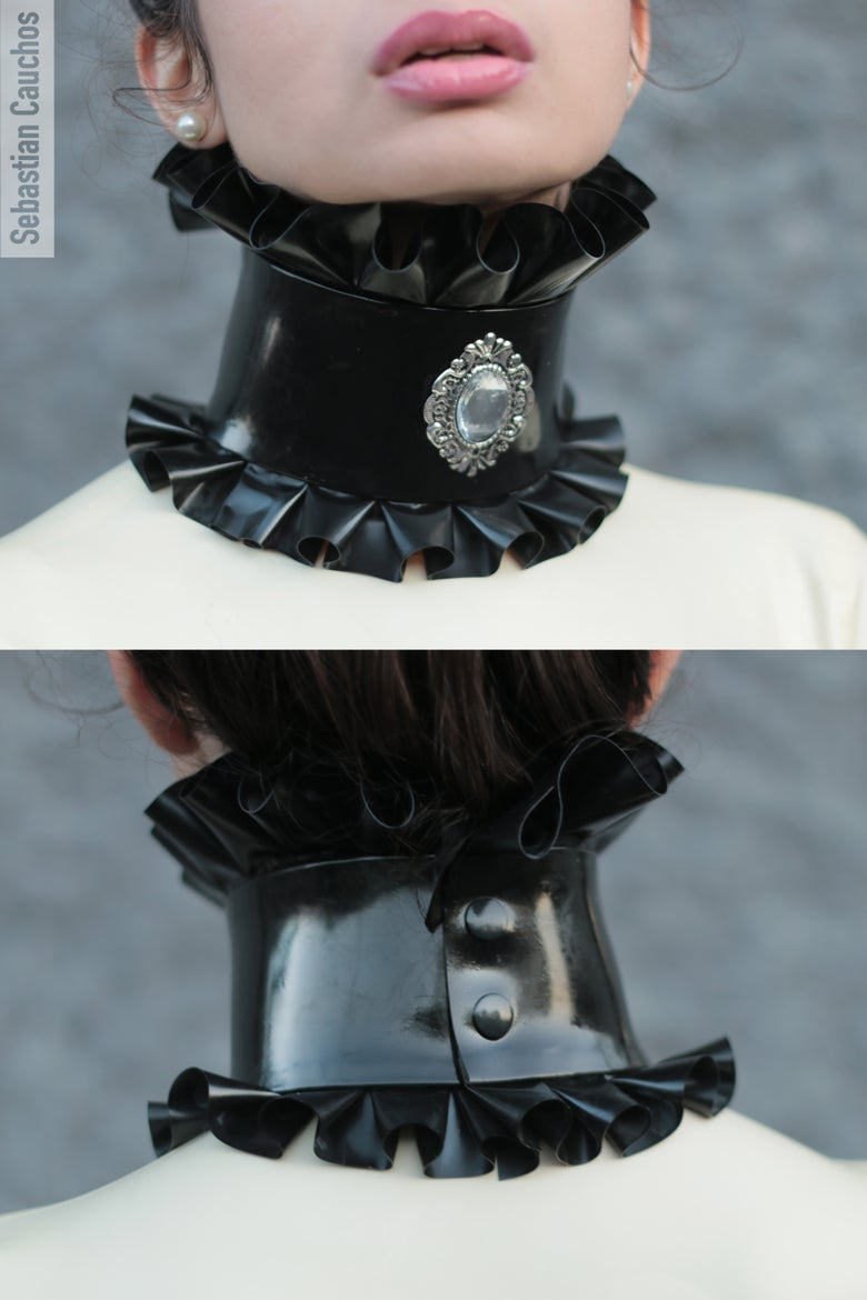 Image of Frilly choker with cameo